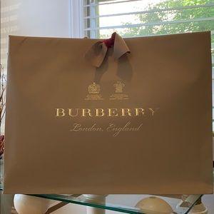 Burberry Leather Hendley Medium Messenger